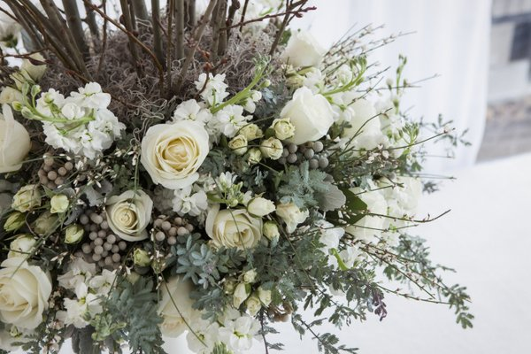 enchanted-florist-luxe-winter-wedding-nashville-sage-nines-mclellan-style-photo-11