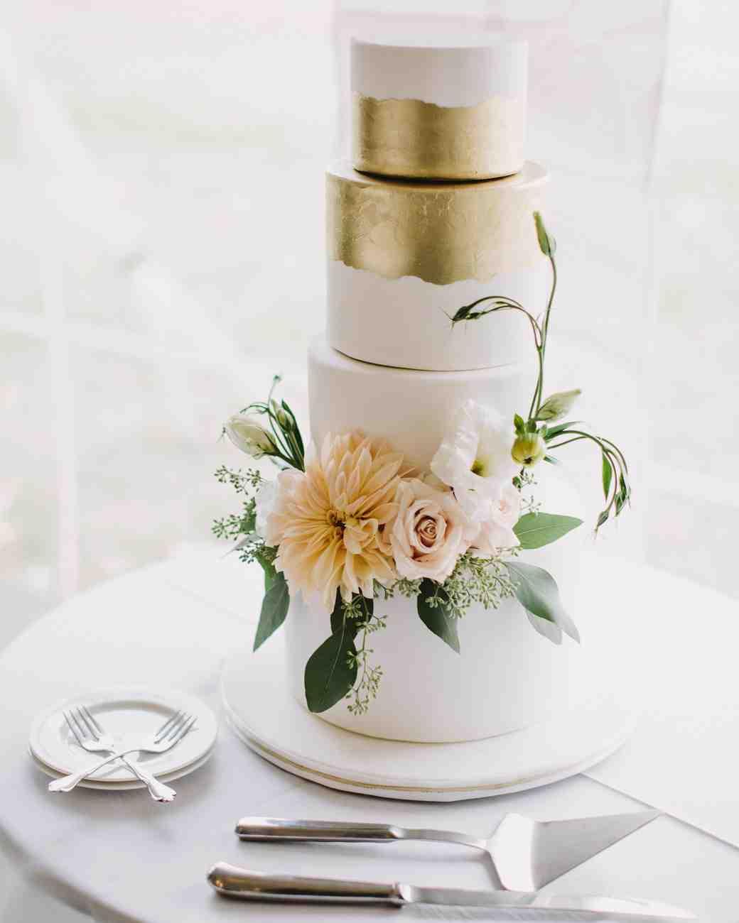 kristen-steve-wedding-cake-019-s113058-0616_vert
