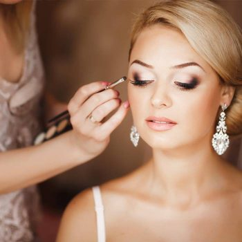 18-must-know-wedding-day-makeup-hacks11