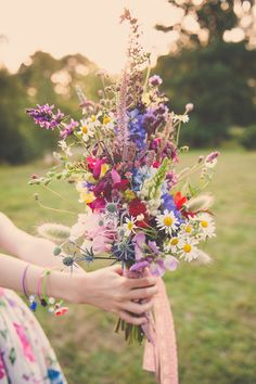 Wild Flower Wedding Bouquets for Any Bride| Wedding Bouquets, Wild Flower Bouquets, Wild Flower Weddings, Wedding Flowers, Pretty Flowers for Weddings, Wedding Bouquet Inspiration