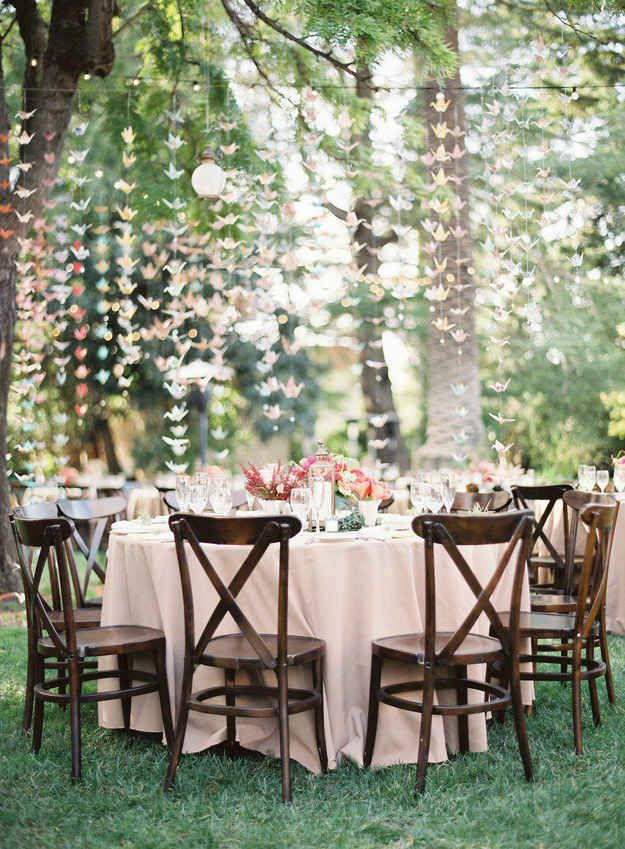 Time to Branch Out: Using Garlands as Wedding Decor| Wedding Decor, Wedding DIY, DIY Wedding Decor, Wedding Centerpieces, DIY Wedding Centerpieces, DIY Wedding, DIY Wedding Ideas, DIY Wedding Decor, Popular Pin, Wedding Inspiration