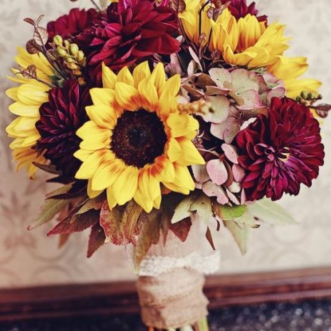 Fall Weddings, Fall Wedding Flowers, Flowers for Fall Weddings, DIY Wedding, Wedding Ideas, DIY Wedding Ideas, Fall Wedding Hacks