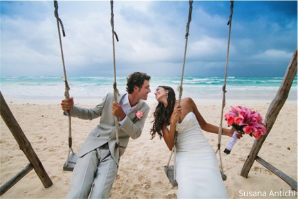 8 Things You Need to Know About Hiring a Photographer| Wedding Photographer, Wedding Photographer Tips, Tips for Wedding Photographer, Hiring A Wedding Photographer, Wedding Photography, Dream Wedding, Dream Wedding Tips and Tricks, Popular Pin