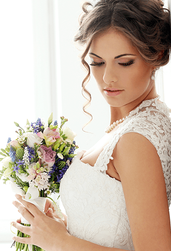 Make Your Wedding Makeup Cry Proof - Oh My Veil  Wedding Makeup, Wedding Tips, Wedding Makeup Tips, Makeup Hacks, Beauty Tips, Beauty Tips for Weddings #Makeup #Wedding #Beauty #WeddingBeautyTips
