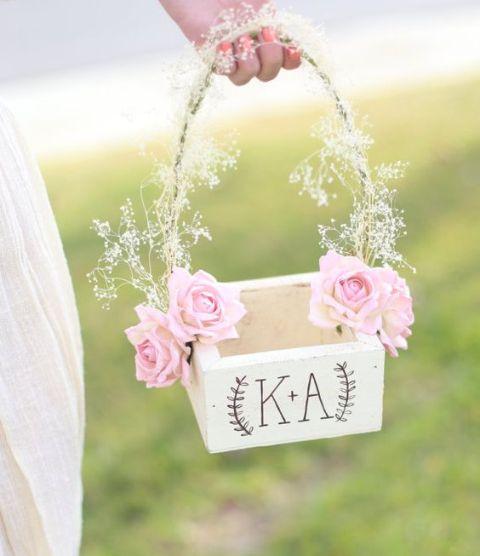 10 DIY Flower Girl Baskets| Flower Girl, DIY Flower Girl, DIY Flower Girl Baskets, DIY Baskets, DIY Wedding, DIY Wedding Ideas, Easy Wedding, Easy Wedding Ideas, Simple Wedding #DIYWedding #Wedding #DIY