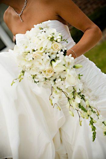 10 Stylish Cascading Wedding Bouquets | Wedding Photo Booth, Wedding Photo Booth Ideas, Wedding Photos, Wedding Photography Ideas, Wedding Photos