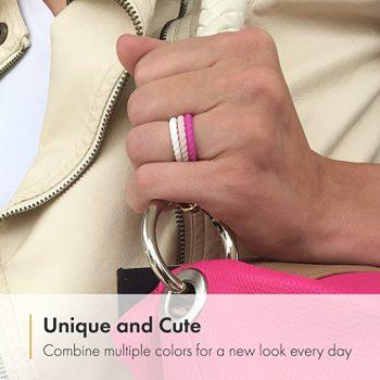 Women wearing A silicone wedding rings