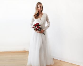 "Winter Wedding Dresses That Look ""HOT"" | Winter Wedding Dresses | Winter Wedding Ideas | Winter Wedding Dress Ideas | Winter Weddings | Weddings"