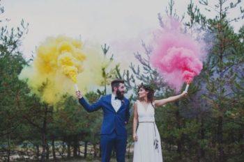 Smoke Bomb | Smoke Bomb Photography | Smoke Bomb Photography Ideas | Smoke Bomb Photography Tips and Tricks | Wedding Photography | Wedding Photography Ideas | Wedding | Wedding Planning