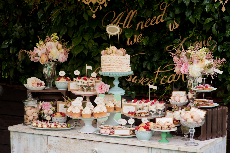 dessert bar | dessert | reception | reception ideas | weddings | wedding ideas | wedding food | wedding desserts