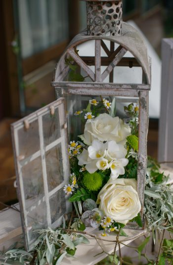 If you're having a barn wedding, you'll want to know these country barn reception decor ideas. Like having a lantern for a centerpiece, what's cuter than that?!