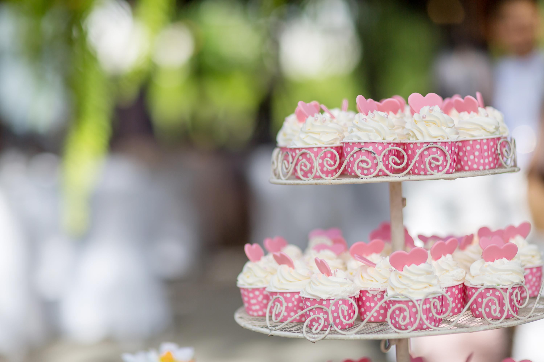 DIY wedding desserts | DIY | wedding desserts | desserts | recipes | dessert recipes | wedding dessert recipes