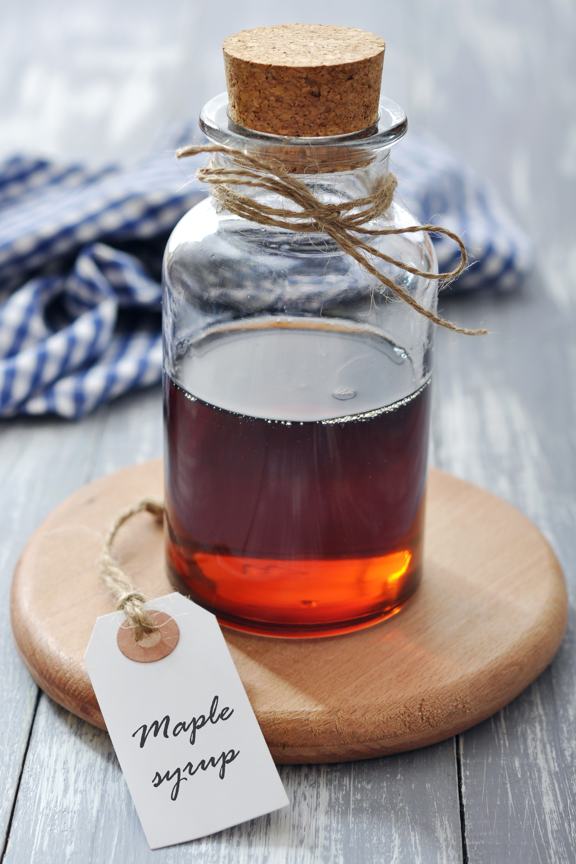 Maple syrup is a perfect for a winter wedding favor. For more ideas on winter wedding favors, read my post. Your guests will love them.