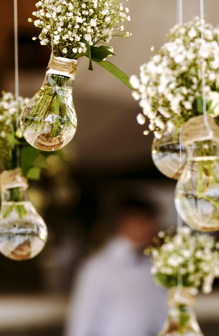 Starting off a partnership in wedding debt is no way to start a marriage. That's why I believe everyone should set a wedding budget. Here are some stylish budget wedding ideas so you can have the wedding of your dreams at an affordable cost. Take a look!