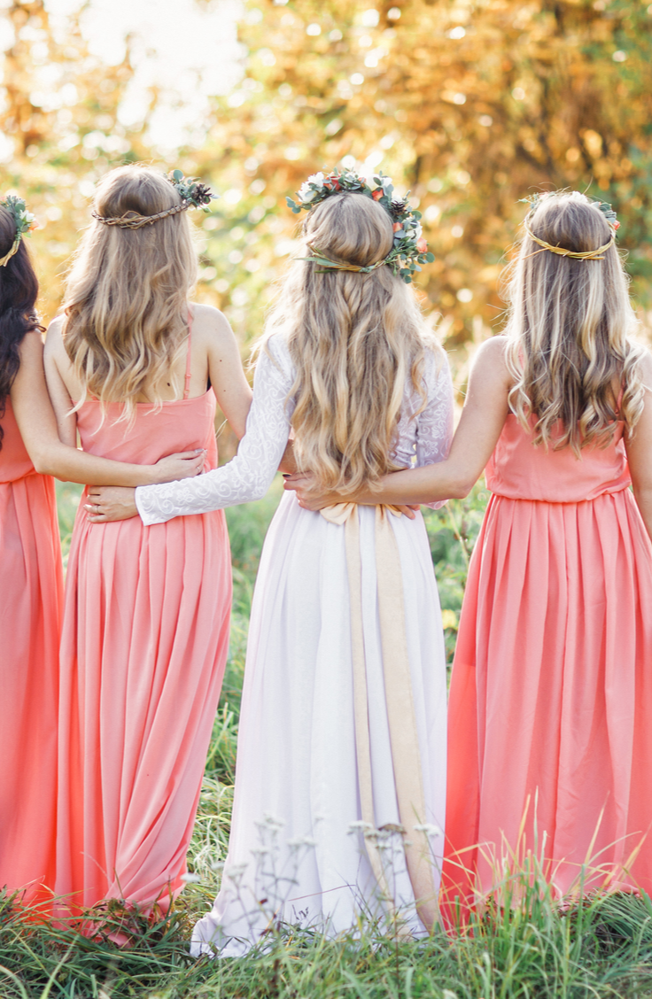 If you ask me, being a bridesmaid can be more fun than being an actual bride! It's so much fun to spend the happiest day of your life with your best friends. However, it can be hard to think of bridesmaid ideas that will please everyone, so that's why I rounded up my very favorites here.