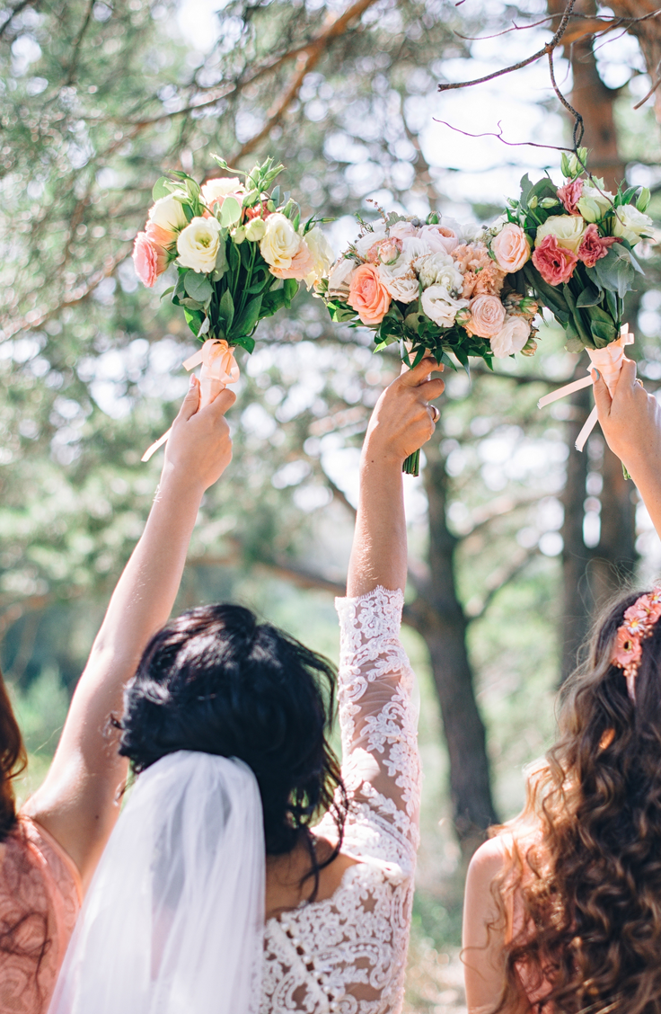 If you ask me, being a bridesmaid can be more fun than being an actual bride! It's so much fun to spend the happiest day of your life with your best friends. However, it can be hard to think of bridesmaid ideas that will please everyone, so that's why I rounded up my very favorites here. Check them out!
